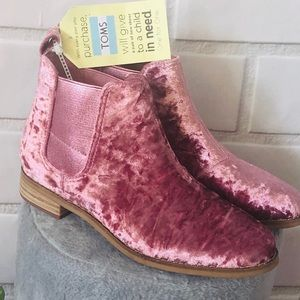 ✂️👀FINAL PRICE-TOMS ELLA FADED ROSE ANKLE BOOTIES